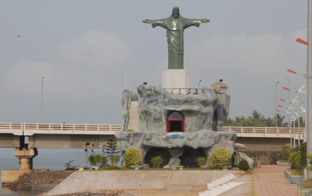 Jesus statue at Rajiv Gandhi Beach